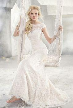 Alvina valenta. Wedding dress