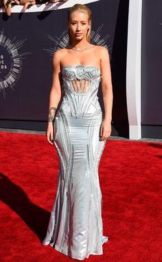 Iggy Azalea stuns in a Versace metallic gown.