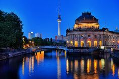 Berlin is going to bed ... by Mab photographie