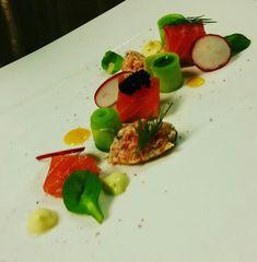 Gebaizter Lachs Caprese Salad, Food, Salmon, Meal, Essen, Hoods, Meals, Insalata Caprese, Eten