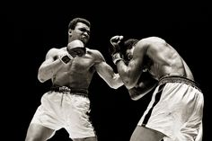 On This Day: Ernie Terrell comes up against Muhammad Ali - Boxing News Muhammad Ali Quotes, Muhammad Ali Boxing, Taekwondo, Muay Thai, Jiu Jitsu, Karate, Float Like A Butterfly, Boxing News, Screenwriting