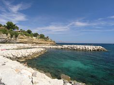 Spend a day by the Mediterranean Sea at Carry le Rouet beach