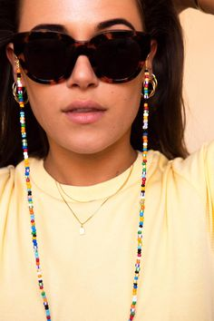 Sunnycords® are modern eyewear chains for your sunglasses. The Sunnycord® is a fashionable glasses cord for holding any kind of eyewear. Initially designed to never lose you glasses or reading glasses again. Shop your sunglass chain now online! Beaded Jewelry, Handmade Jewelry, Beaded Necklace, Beaded Bracelets, Bijoux Diy, Fashion Jewelry, Fashion Hair, 80s Fashion, French Fashion