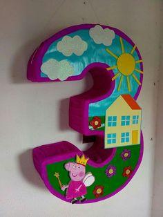 Peppa Pig Pinata, Peppa Pig Cookie, Cumple Peppa Pig, Princess Peppa Pig Party, Birthday Fun, Birthday Party Themes, Peppa Pig Birthday Decorations, Pig Cookies, Cumple Toy Story