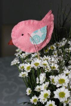 Passarinho e flores / little bird and flowers