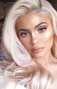 Kylie // Jenner Sisters // Avinaash Ganesh Jenner Make - up Kylie // Hermanas Jenner // Avinaash Ganesh Maquillaje Jenner Kylie Jenner Piercings, Ropa Kylie Jenner, Style Kylie Jenner, Maquillaje Kylie Jenner, Kylie Jenner Makeup Look, Estilo Jenner, Trajes Kylie Jenner, Looks Kylie Jenner, Makeup Trends
