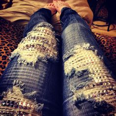 omg studded ripped jeans, where can I find you! Ripped Jeans, Jeans Pants, Jeans Leggings, Destroyed Jeans, Passion For Fashion, Love Fashion, Autumn Fashion, Studded Jeans, Sequin Jeans