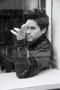jared leto. such a strikingly handsome man.
