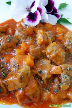 COCINA ANDALUZA: Carne con Tomate Sweet And Salty, Curry, Food And Drink, Yummy Food, Cooking, Ethnic Recipes, Room Interior, Interior Design, Ideas Para