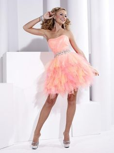 Pink Puffy Short Prom Dresses in Unique Look