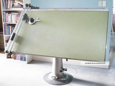 Antique Nike Eskilstuna Hydraulic Drafting Table Photos and Information in AncientPoint Antique Drafting Table, Industrial Drafting Tables, Industrial Furniture, Drafting Desk, Table Furniture, Vintage Furniture, Drawing Tables, Architect Table, Study Nook