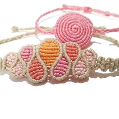 Finding Best Ideas for your Building Anything Macrame Bracelet Patterns, Macrame Jewelry, Macrame Bracelets, Handmade Bracelets, Micro Macramé, Macrame Dress, Peyote Beading, Macrame Projects, Macrame Knots