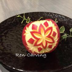 いいね!115件、コメント1件 ― Yoshikoさん(@ren.carving)のInstagramアカウント: 「シンプルなリンゴカービング #りんご #カービング #教室 #習い事 #フルーツカービング #ソープカービング #簡単 #楽しい #面白い #川崎 #横浜 #蓮カービング #サプライズ…」