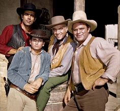 Find out about Bonanza, the hit Western TV series that ran from 1959 to 1973 - plus see the opening credits The cast of TV show Bonanza - Pernell Roberts (Adam Cartwright), Michael Landon (Little Joe Cartwright), Lorne Green (Ben Cartwright) Michael Landon, Michael Scott, Pernell Roberts, Old Tv Shows, Movies And Tv Shows, Great Tv Shows, Hd Movies, Bonanza Tv Show, Mejores Series Tv