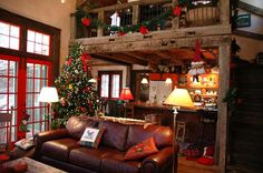 Beautiful Christmas decorations... so rustic and cozy!