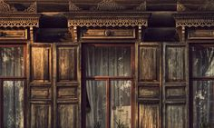 Wooden house in Siberia (photo from Vladstudio).