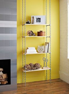 Chain-Reaction Shelves Who knew chain and basic boards could be so cool? Create this industrial-style shelving unit for easy, affordable extra storage. Industrial Shelving Units, Industrial Style, Industrial House, Industrial Lighting, Industrial Bookshelf, Industrial Windows, Industrial Restaurant, Industrial Bedroom, Industrial Furniture