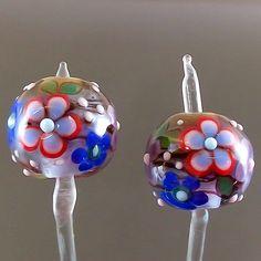 PIKALDA=handmade lampwork 2 glass beads earring=LAVENDER & GREEN GARDEN=SRA