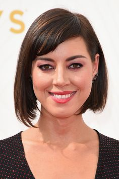 Pin for Later: Zoom Sur Tous les Beauty Looks des Emmy Awards Aubrey Plaza