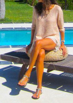 jersey  de punto de algodón con lentejuelas doradas y gasa. http://www.ch2online.com/public/website/product/index/jersey-lentejuelas-naiara