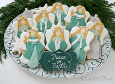This post is short and sweet today because I don't have much to say other than Merry Christmas! The cookies were cut with thi. Fancy Cookies, Iced Cookies, Cut Out Cookies, Cupcake Cookies, Christmas Cookie Exchange, Christmas Sugar Cookies, Christmas Cupcakes, Christmas Foods, Christmas Stuff