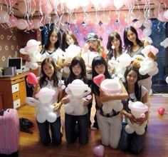 SNSD old selca when they're got their dorm Snsd, Sooyoung, Yoona, Kim Hyoyeon, Kpop Girl Groups, Korean Girl Groups, Kpop Girls, Girls' Generation Taeyeon, Girls Generation