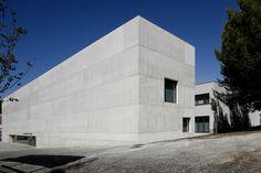 Gallery of Vergilio Ferreira High School / Atelier Central Arquitectos - 12