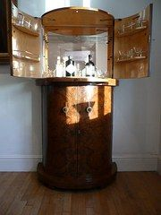 Superieur Art Deco Curved Cocktail Cabinet Circa 1930s Made Out Of Walnut.