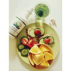 """288 To se mi líbí, 2 komentářů – Michaela Štoudková (@michaelastoudkova) na Instagramu: """"🙊🍀🍃😢💋👯 #blogesvyzva #blogesrobes @bloges_robes Detox zatím zvládám a #liquidchlorophyll mi dokonce…"""""""
