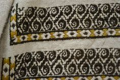 Romanian blouse - ie - detail. Diy And Crafts, Arts And Crafts, Moldova, Traditional Outfits, Old And New, Cross Stitching, Folk Art, Ethnic, Textiles