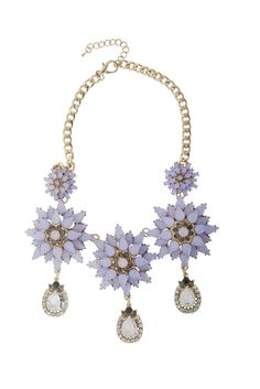 Statement Necklaces, Casual Chic, Flowers, Casual Dressy, Casual Chic Style, Royal Icing Flowers, Flower, Florals, Floral