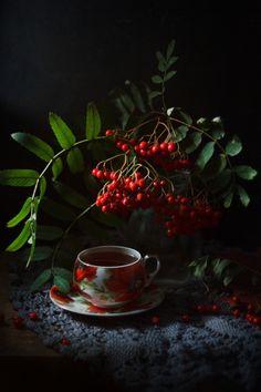 Nice to meet you. Christmas Tree Gif, Christmas Coffee, Tea Cafe, Coffee Cafe, Coffee Photography, Still Life Photography, Still Life Photos, Coffee And Books, Fruit Art
