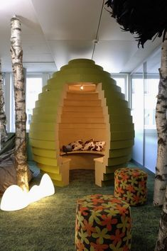 Google Zurich Offices. Interesting... But I think I'd feel claustrophobic if I wasn't working in there alone.