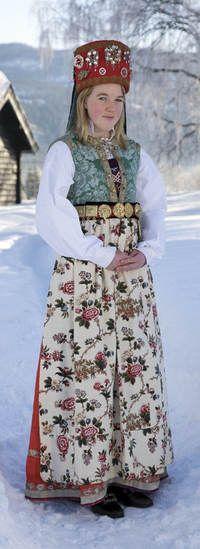 Magasin for Bunad og Folkedrakt Folk Costume, Costumes, Norwegian Clothing, Norwegian Style, Swedish Royalty, Bridal Crown, Headdress, Traditional Dresses, Languages