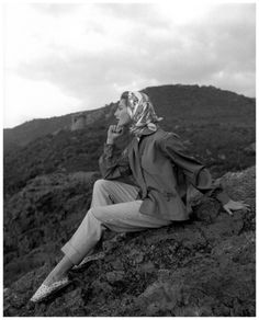 Fiona Campbell-Walter in cotton pants and poplin shirt by Jacques Fath and scarf by Hèrmes, Photo: Georges Dambier for Nouveau Femina, June 1954.