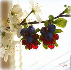 """Купить серьги """"Ягодный морс"""" - разноцветный, ягодные серьги, черничный, черника, ягоды и листья"""