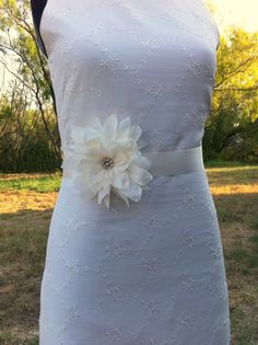 Dahlia Wedding Sash Belt... Bridal White Dahlia Blossom wedding day sash..Bridesmaids, Flower girls sash, great for prom, ball, portraits.... $34.95, via Etsy.