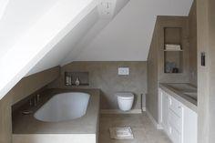 Betonstuc badkamer door Molitli Interieurmakers. Verkrijgbaar in meer dan 80 kleuren via www.molitli-interieurmakers.nl