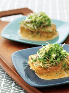 ヘルシーな豆腐ステーキも、ピーナッツバターと練りごまでボリューム満点!|『ELLE a table』はおしゃれで簡単なレシピが満載!