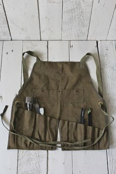 Slanted pockets......WWII era Mechanic's Apron - FORESTBOUND | olive green canvas