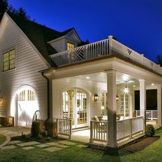 Traditional Porch Design Ideas, Pictures, Remodel and Decor Style At Home, Future House, My House, House With Balcony, Casas Country, Carriage House Plans, Traditional Porch, Traditional Design, Balkon Design