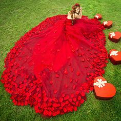 Red Petals Train Wedding Dress Prom Party Quinceanera Pageant Cocktail Ball Gown #victor10188 #BallGown #Cocktail