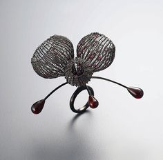 Ring  Sterling silver(oxidized), garnet Sowon joo