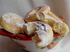 ROSCAS CHILENAS – Cocina Chilena Chilean Recipes, Chilean Food, Cupcakes, Pretzel Bites, Bagel, Doughnut, Bread, Desserts, Gastronomia