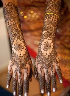 New and latest bridal mehndi designs images for hands and legs. A beautiful selection of Indian, Pakistani and Arabic bridal Mehndi Designs for inspiration. Henna Hand Designs, Latest Mehndi Designs Hands, Mehndi Designs Finger, Mehndi Design Photos, Mehndi Images, Tattoo Designs, Rajasthani Mehndi Designs, Dulhan Mehndi Designs, Arabic Bridal Mehndi Designs