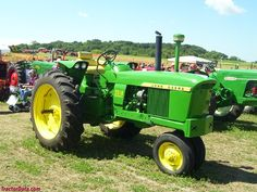 John Deere 2510 with tricycle front, right side.