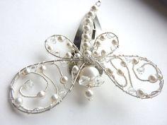 White Wedding Pearl Dragonfly Brooch от GemstoneDragonflies