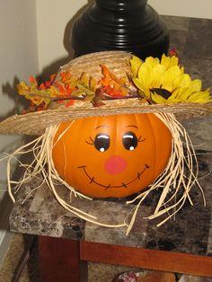 scarecrow out of craft pumpkin Easy Pumpkin Carving, Pumpkin Carving Templates, Pumpkin Stencil, Pumpkin Painting, Pumpkin Carvings, Pumpkin Canvas, Carving Pumpkins, Fall Pumpkins, Halloween Pumpkins