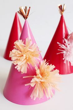 DIY : How To Make a New Year's or Party Pompom Hat