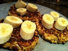 Easy Bodybuilding Breakfast: High-Protein Banana Oatcakes - YouTube